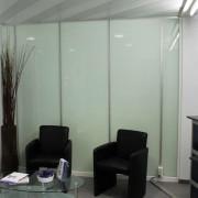 Glastrennwand mit Profilen l Glas VSG satiniert