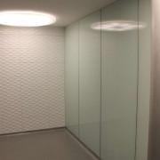 Wandverglasung Hauptbahnhof Winterhur l Glas 8mm ESG l Farbe RAL 9016
