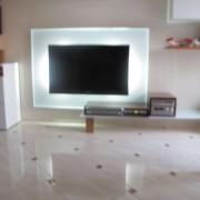 TV Mobel mit Glasruckwand-1