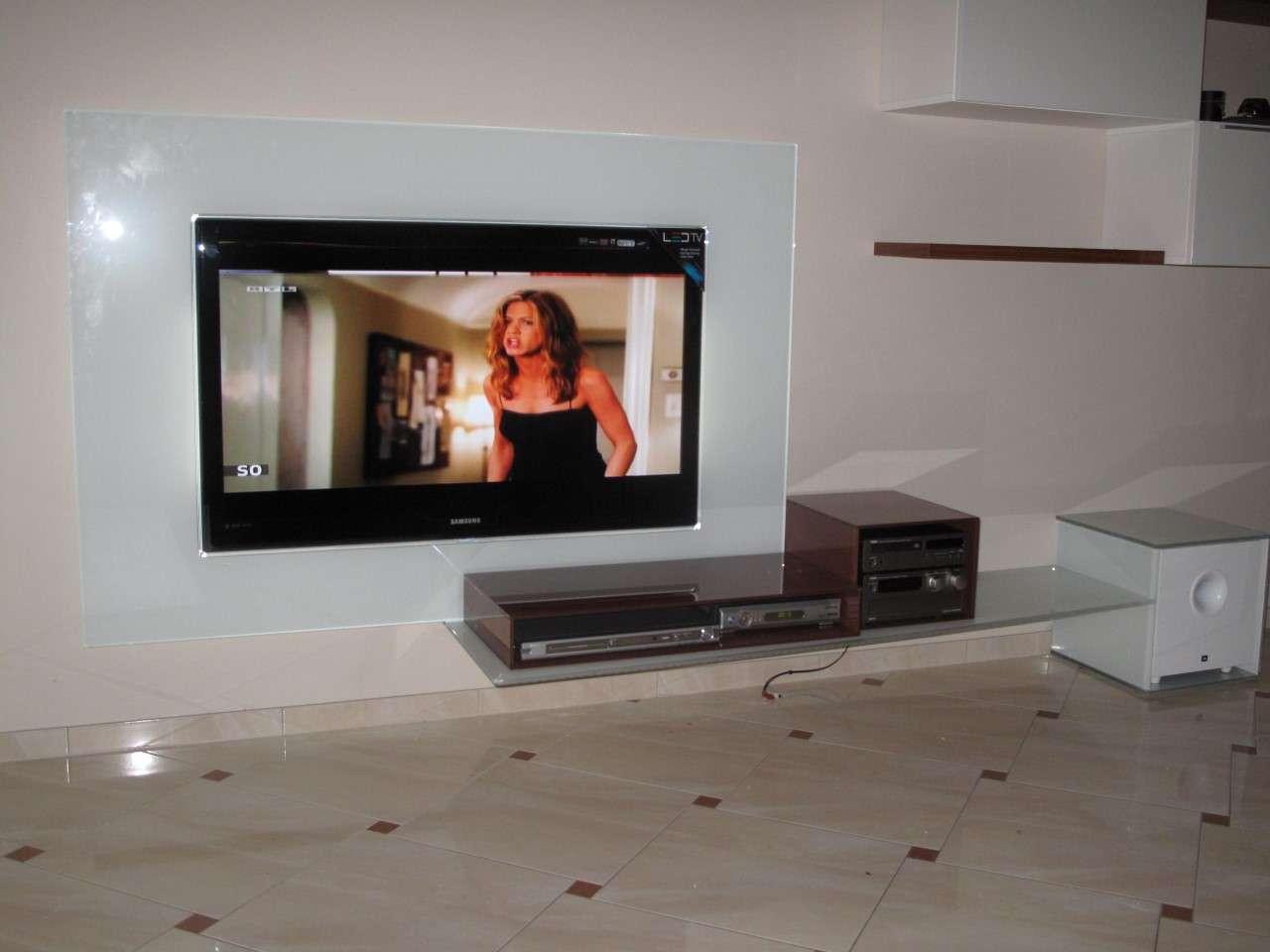 tv mobel mit glasruckwand visioglas for extravagante tv mobel