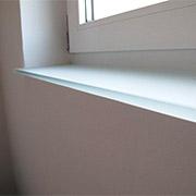 Glas-Fensterbank